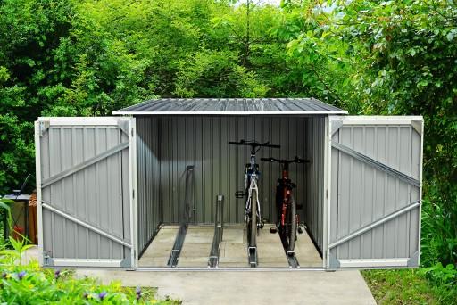 S09 Bikes 206 x 204 cm